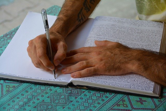 323 Lessons In Journalling From Tim Ferriss & Ryan Holiday